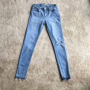 Final Price Levi's Distressed Lightwash Jeans